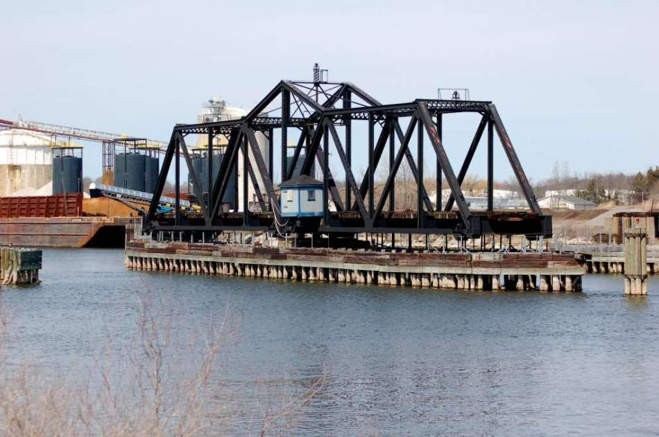 Railroad swing bridge