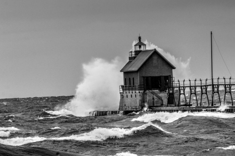 Grand Haven lighthouse B&W