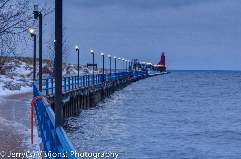 The Grand Haven breakwater before dawn